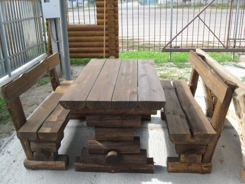 Стол и 2 скамейки для приусадебных участков, дач. Отличное качество.
