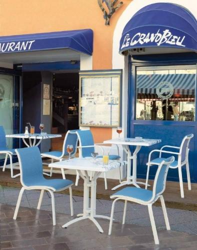 Столы и стулья для кафе и ресторанов 4