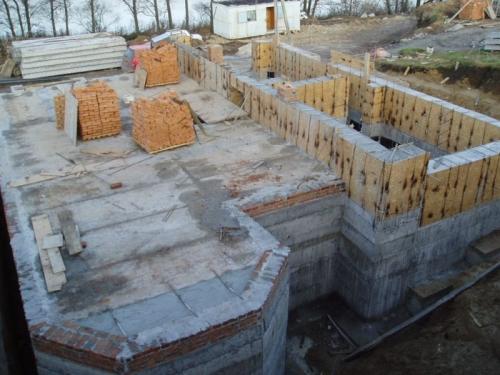 Строительные и монтажные работы (дома, коттеджи, складские помещения, насосные станции, фундаменты, монолиты).