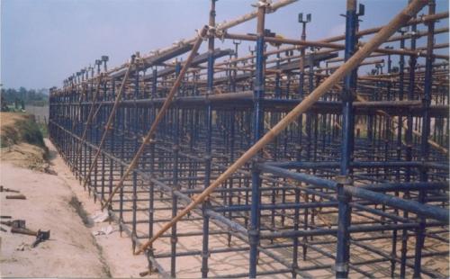 строительные леса Топлок модульные для монолитного строительства, фасадных и строительно-монтажны х работ. Краска.