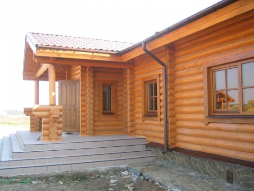 Строительство деревянных домов, коттеджей из оцилиндрованного бревна(срубы, базовая комплектация, комплектация под ключ)