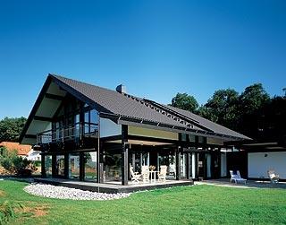 Строительство деревянных домов, коттеджей по технологии, стиль Huf Haus (дерево стекло)