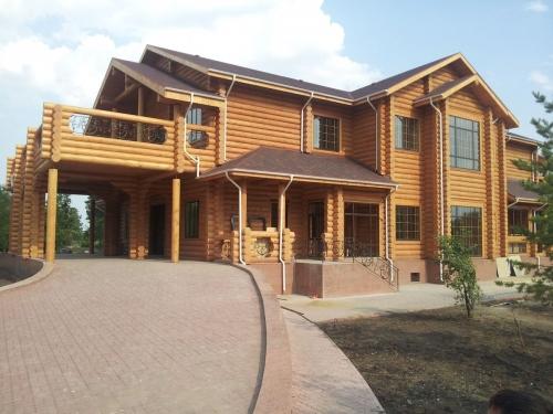 строительство деревянных домов, срубов бань, деревянных коттеджей, гостиниц, ресторанов, строительство бань