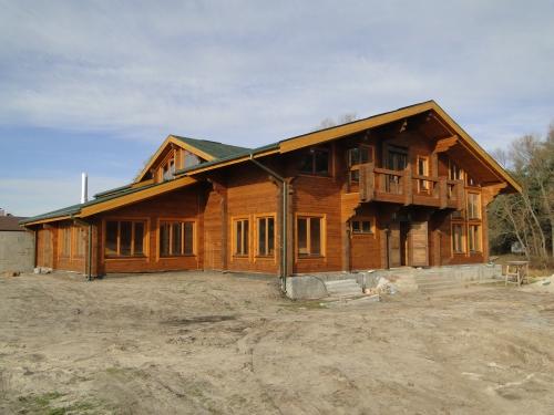 Строительство домов из цельного профилированного бруса под ключ