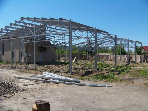 Строительство производственного помещения из металоконструкций.