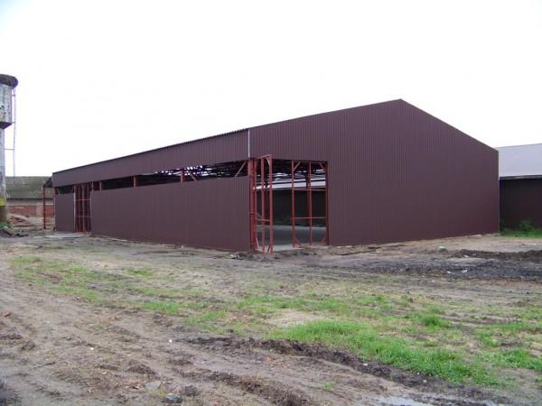 """Строительство прямостенных утеплённых ангаров, складов, помещений из металоконструкций, """"под ключ""""."""