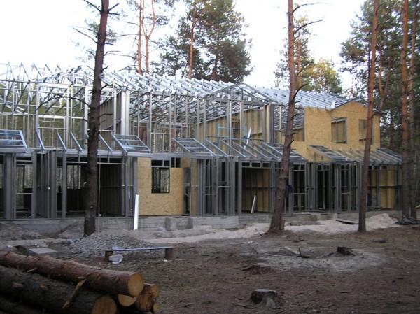 Строительство загородных домов из ЛСТК