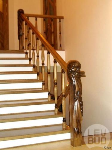 Ступени любого размера и формы. Балясины и другие элементы лестницы под заказ. Экологически чистое дерево-бук, дуб.