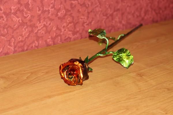 Сувенирная железная роза