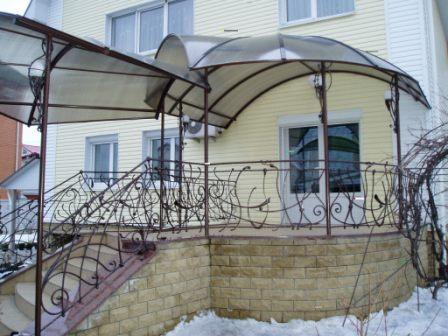 Сварной козырек с поликарбоната /от 350 грн. /кв. м