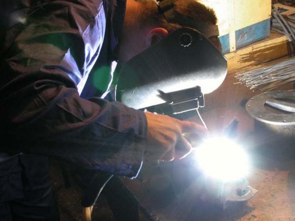 Сварщик воплотит ваши мечты в металле. Произведу сварочные работы по изготовлению любых конструкций.
