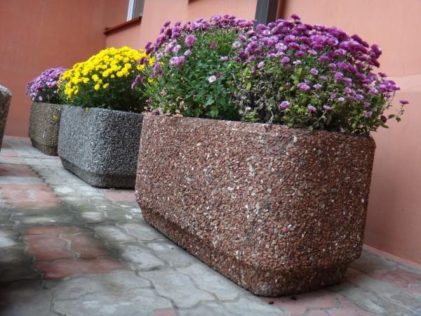 Цветник бетонный, круглый, материал отделки - мраморная крошка. Размеры: 400х260 20 кг 500х400 50 кг