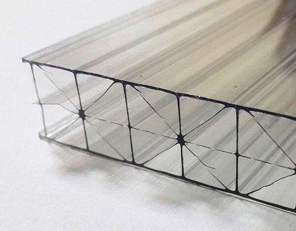 Фото 2 Сотовый поликарбонат усиленный SOTON TITAN 8 - 20 mm (прозр/бронз.) 341646