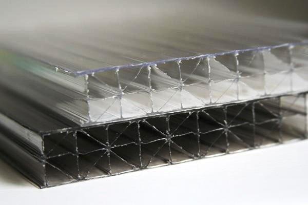 Фото 3 Сотовый поликарбонат усиленный SOTON TITAN 8 - 20 mm (прозр/бронз.) 341646