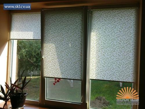 Тканевые ролеты (рулоновые шторы) больше 200-от тканей в колекции) Подробней на сайте - http://skl. cv. ua/