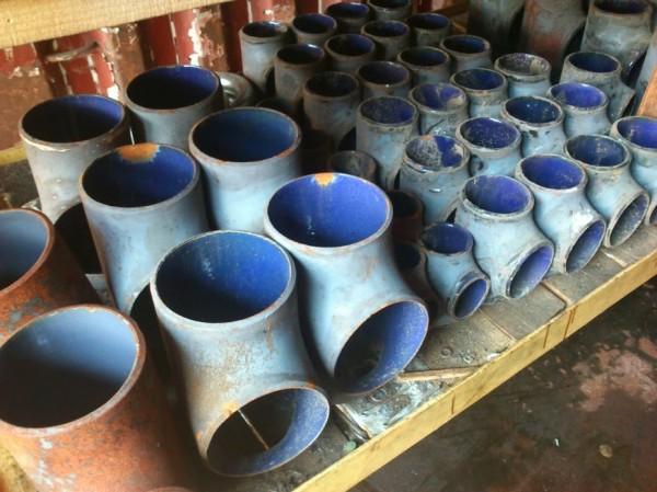 Тройник эмалированный, стальной, 90 , 219х219мм. для трубопроводов. Толщина покрытия пищевой эмали от 0,3-1мм.