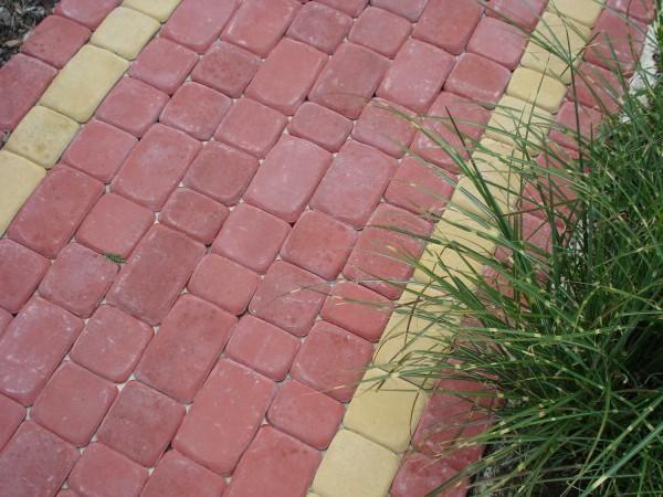 Тротуарная плитка Старый Город , высота - 4см. Цвет - красный.