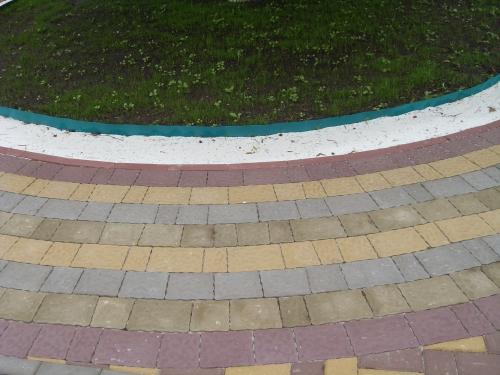 Тротуарная плитка укладка. Гарантия, сжатые сроки.