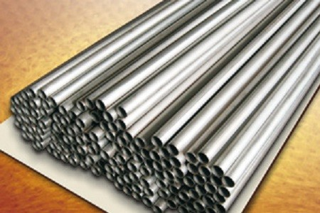 Труба мельхиоровая размер 28х1 мм сталь CuNi10Fe1Mn