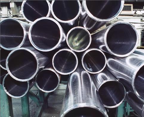 Труба нержавеющая сварная 28мм 28х1,5 пищевая AISI 304 немагнитная коррозионно-стойкая матовая
