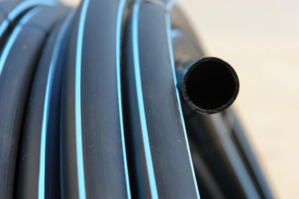 труба полиэтиленовая 50 мм ПЕ-100, Пе80 давлением 6-10 Атм. бухты 100-200м. В наличии