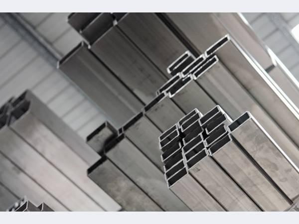 Труба профильная н/ж размер 80х80х2,0 мм сталь 04Х18Н10