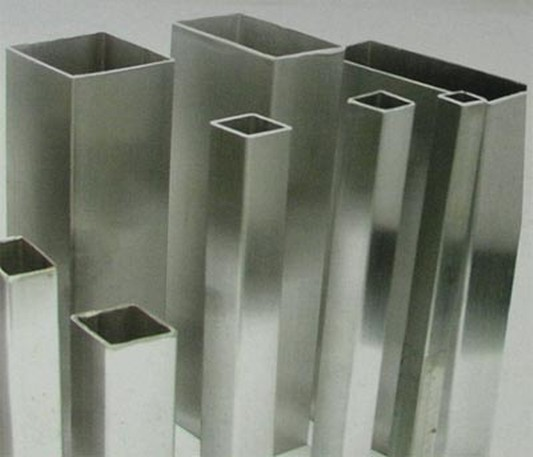 Труба профильная н/ж размер100х100х3,0 мм сталь 04Х18Н10