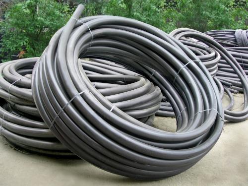 Трубы, трубки полиэтиленовые диаметрами от 8 мм до 125 мм с различными толщинами стенок.
