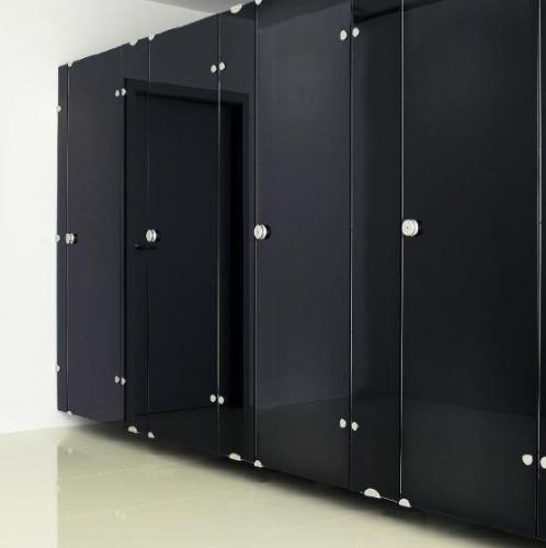 Туалетные кабины, душевые перегородки, шкафчики, мобильные акустические перегородки.