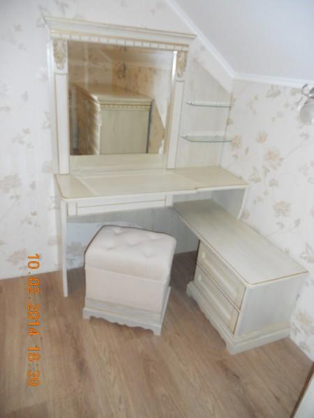 Туалетный столик, два в одном! Можно использовать в качестве компьютерного столика. Массив. Немецкая фурнитура.