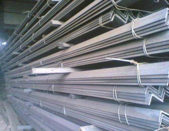 Уголок 125 мм сталь 3 с доставкой по Украине.