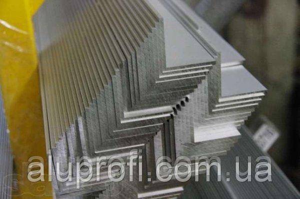 Фото  1 Уголок алюминиевый 20х20х1,5 мм АД31Т АН15 1848153