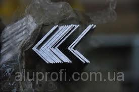 Фото  1 Уголок алюминиевый 60х20х2,2мм АД31 АН15 1888006