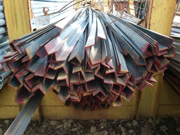 Уголок стальной 45х45х4мм.