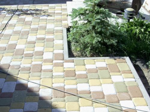 Укладка плитки ФЭМ, озеленение, системы автоматического полива, ландшафный дизайн.