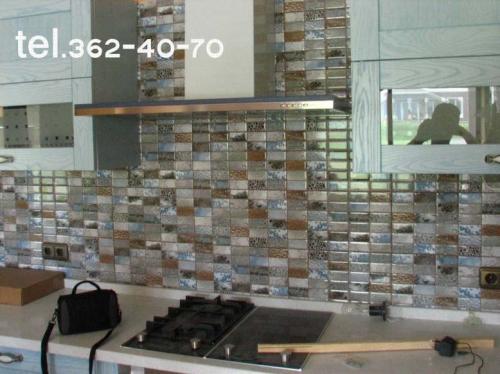 Укладка плитки керамической на стену.