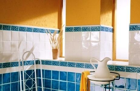 Укладка плитки на стены и пол