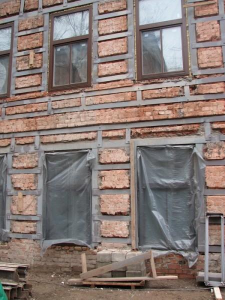 Усиление фасадных частей здания