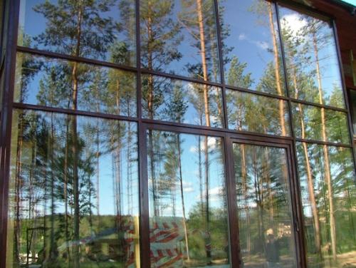 Услуги по изготовлению, монтажу и сервисному обслуживанию деревянных и дерево-алюминиевых окон и дверей