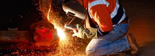 Услуги сварщика * Сваривание металоконструкций (забор, ворота, навес, лестница ). Ремонт, покраска и т. д.