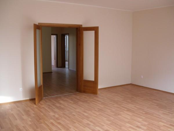 Установка деревянных дверей шт - 500грн