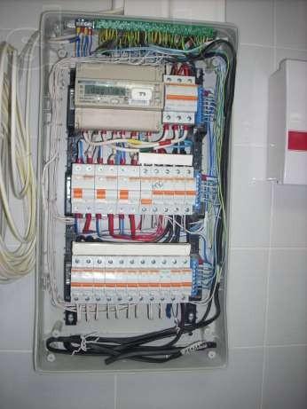 Установка электрического щита внутреннего (в нишу) свыше 12 групп