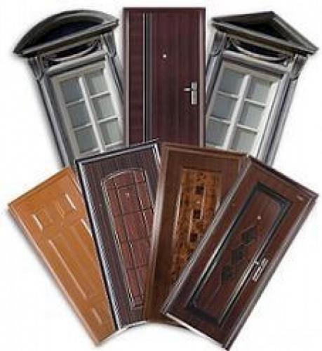 Установка межкомнатных дверей. В установку входит:Монтаж коробки, врезка петель и замка, монтаж наличника, пена, крепёж.
