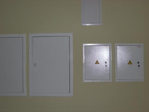 Установка щитов распределения электроэнергии