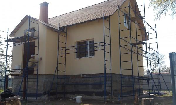 Утепление фасадов, монтаж архитектурного декора, нанесение декоративной штукатурки