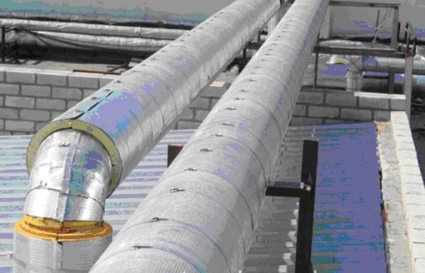 Утепление трубопровода. Сегмента из пенополиуретана. Диаметр трубы 273 мм. Толщина 40мм. Фольгированная.