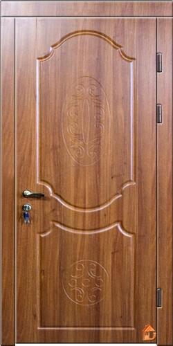 """Вхідні двері ДрімБуд. Колір """"слива ясная""""."""
