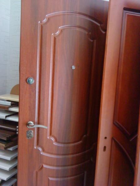 двери входные из профильных труб