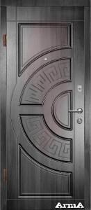 Входные металлические двери с МДФ накладками. Утепленные минеральной ватой. Два замка, глазок, наличники МДФ.