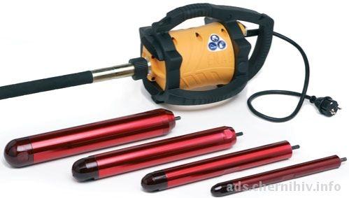 Вибратор глубинный Dingo Потребление: 2,3кВт 220В 50-60Гц Уровень защиты IP23 Вращение: 18000 об/мин Вес: 5, .4 кг